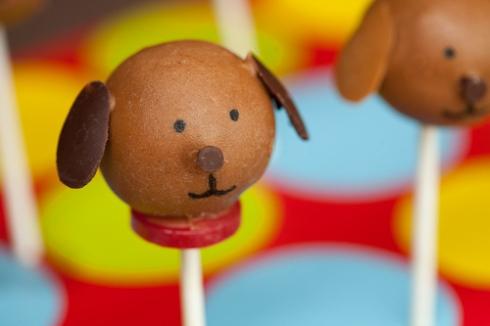 Puppy cake pops