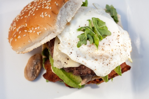 ultimate egg burger roasted garlic mayo