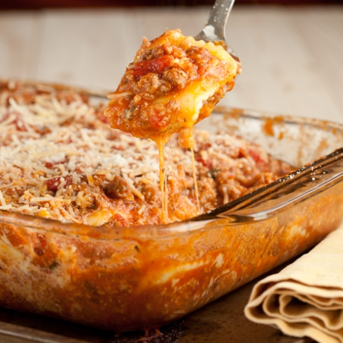 Cheesy Ravioli with meat sauce