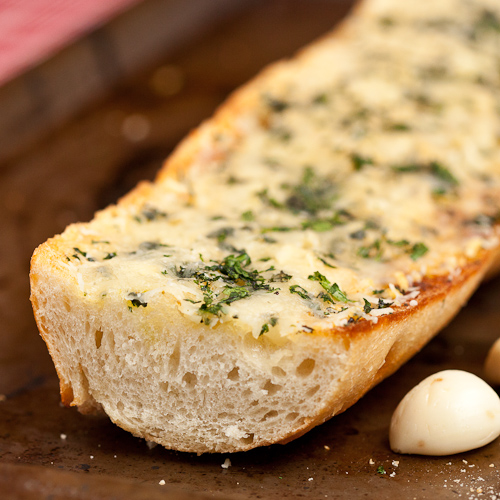 Easy Cheesy Garlic Bread - Chew Out Loud