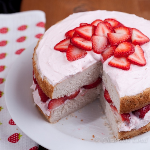 Strawberry Cake with Cream Cheese Frosting 2